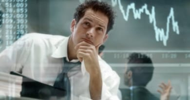 traders watching market movement