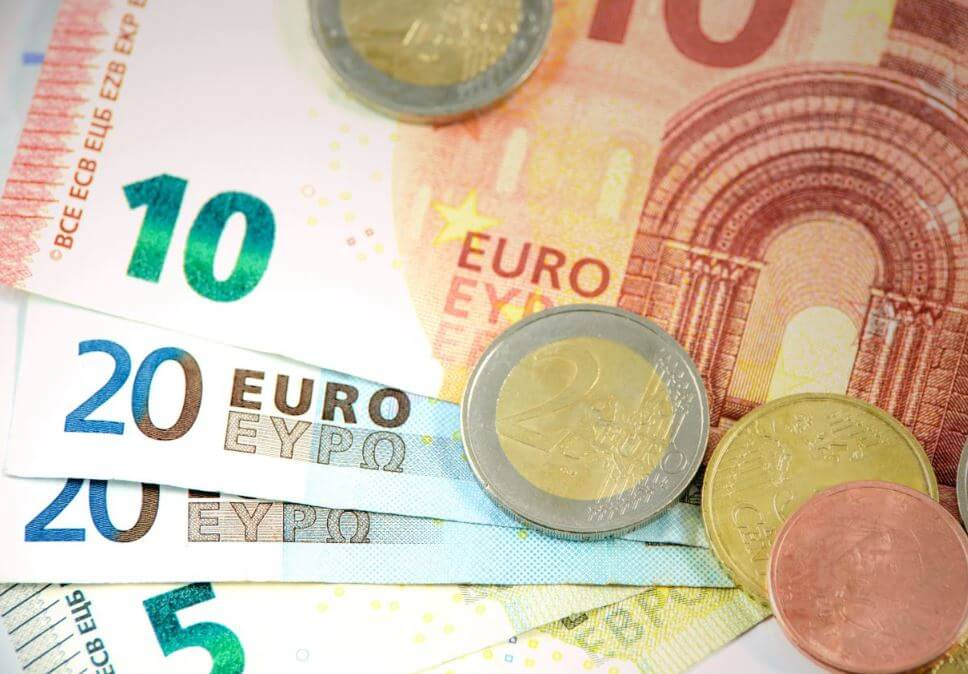 euros currency notes ten and twenty