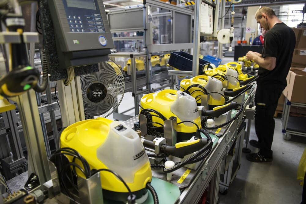 Euro industrial output data increased to 0.8 from 0.4 in April month