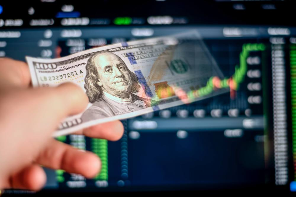 US Dollar does not lose its value in the market and boldly stays in the Upper value of the market